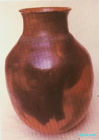 Traditional Pottery Designed by Naorem <I>Ongbi</I> Neelamani Devi