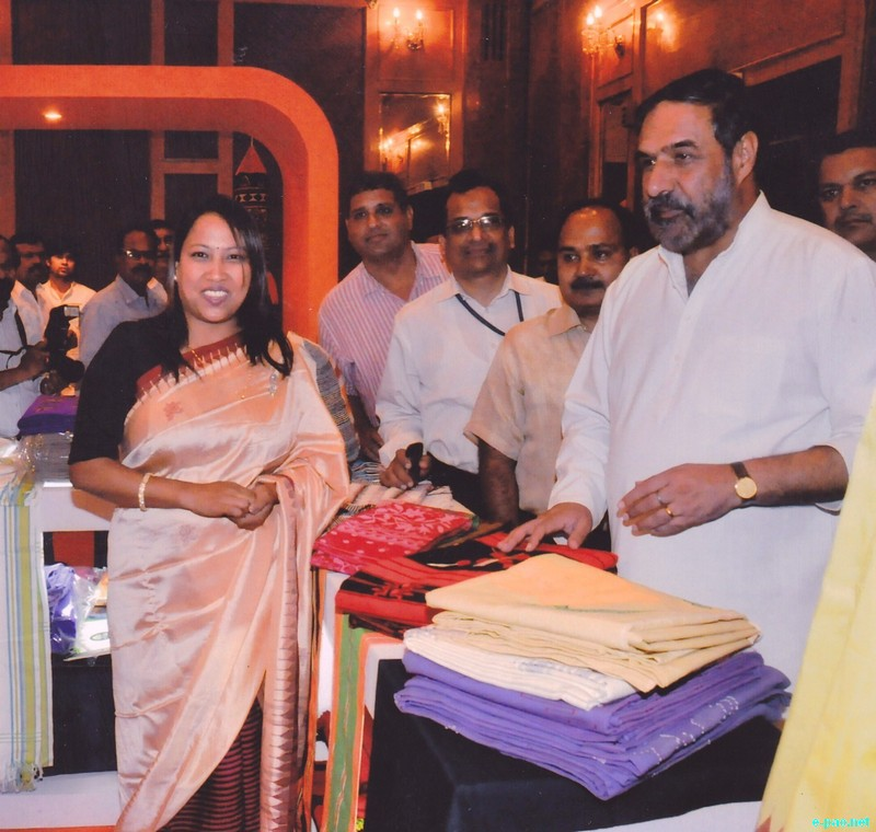 Chirom Indira, a promoter of Manipuri Handlooms products at Hasthkala Conclave  :: 17 August 2012