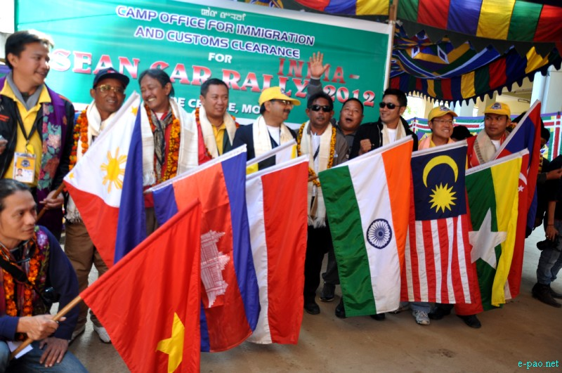 ASEAN-INDIA Car Rally 2012  passing through Moreh Area, Manipur :: 15 December, 2012