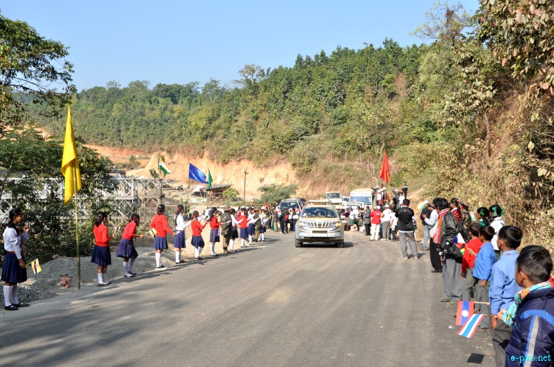 ASEAN-INDIA Car Rally 2012 passing through Indo-Myanmar Friendship Bridge at Moreh :: Pix - Deepak Oinam