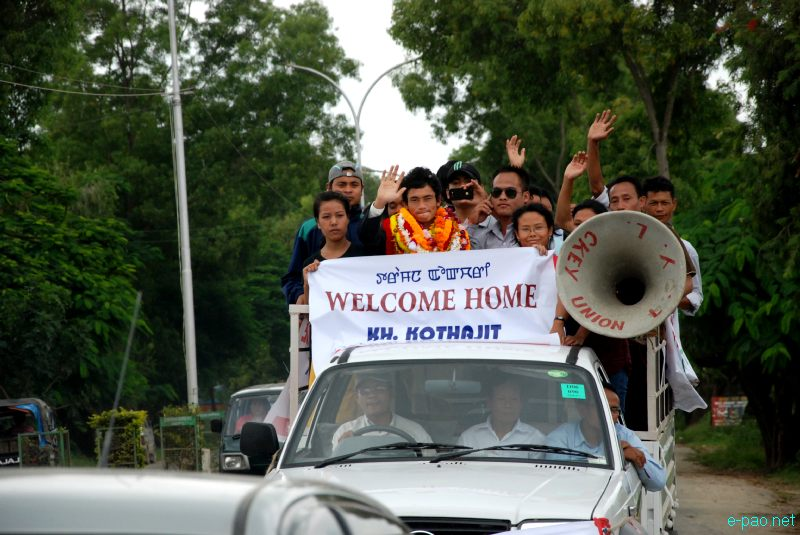 Khadangbam Kothajit - Hockey Player at the London Olympics being welcomed at Imphal :: August 22 2012